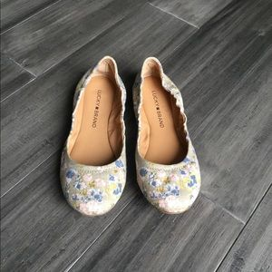 Lucky Brand Floral Flat